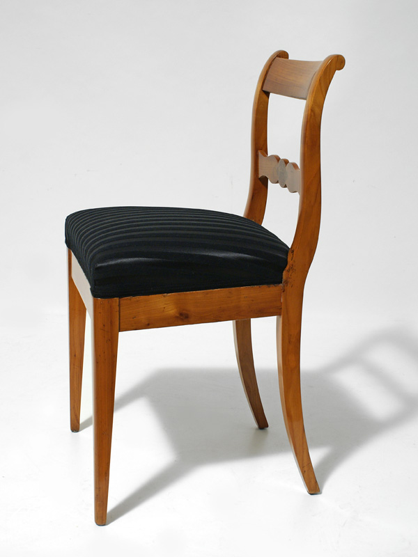biedermeier stuhl cool biedermeier stuhl with biedermeier stuhl elegant nachher bei der wurde. Black Bedroom Furniture Sets. Home Design Ideas