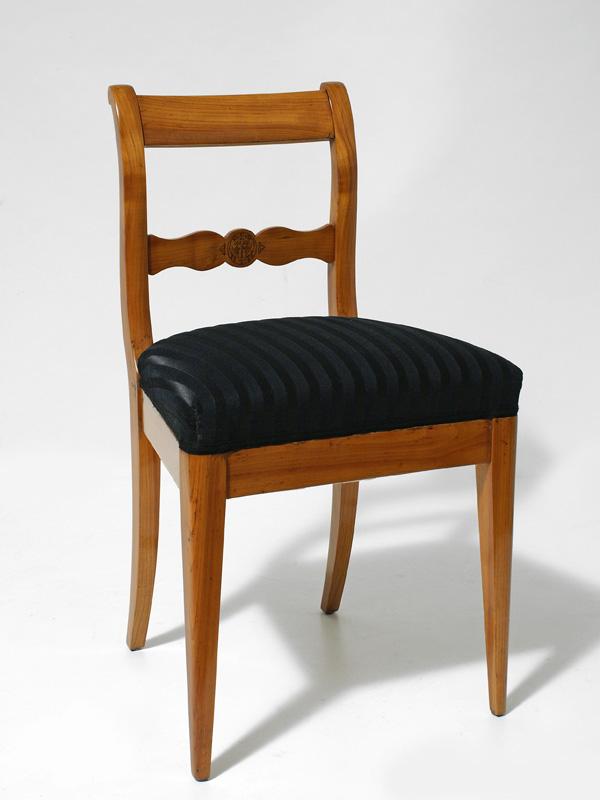 biedermeierstuhl kirschbaum massiv s ddeutsch um 1830 antiquit ten am markt t bingen. Black Bedroom Furniture Sets. Home Design Ideas