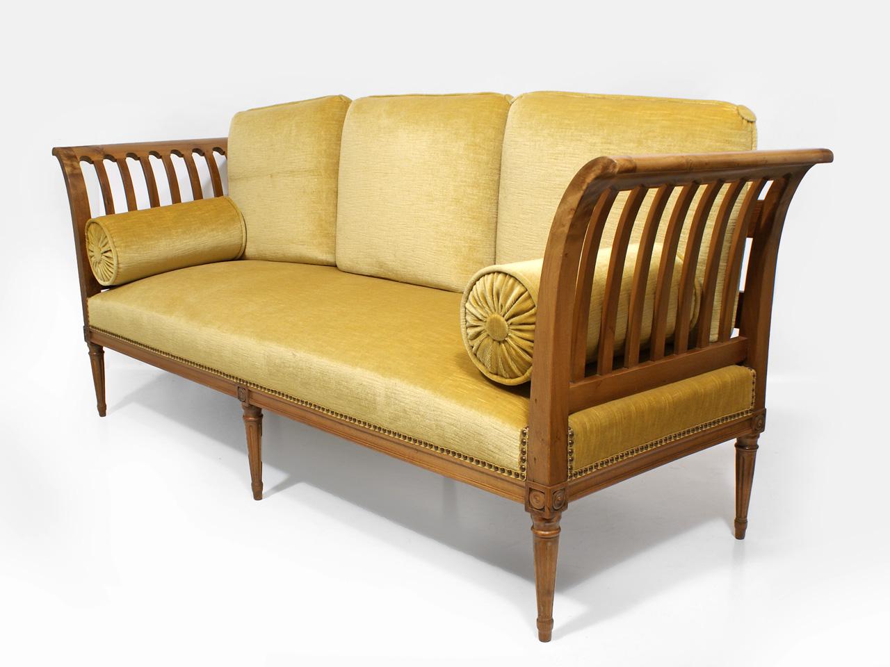 art nr 877 sitzbank nussbaum schweiz mitte 19 jh. Black Bedroom Furniture Sets. Home Design Ideas