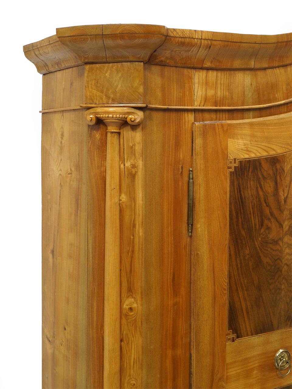 art nr 407 bodenseeschrank r ster nussbaum um 1800. Black Bedroom Furniture Sets. Home Design Ideas