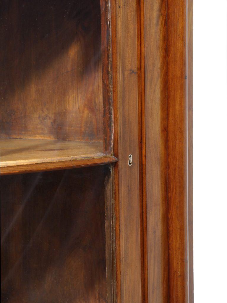 art nr 4727 biedermeiereckschrank mit verglaster front norddeutschland um 1830 antiquit ten. Black Bedroom Furniture Sets. Home Design Ideas