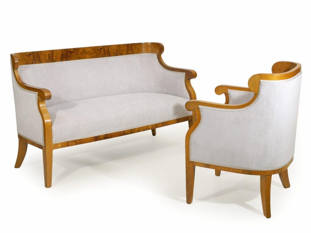 art nr 4332 biedermeiersalon bestehend aus sofa und zwei bergeren sterreich um 1830. Black Bedroom Furniture Sets. Home Design Ideas